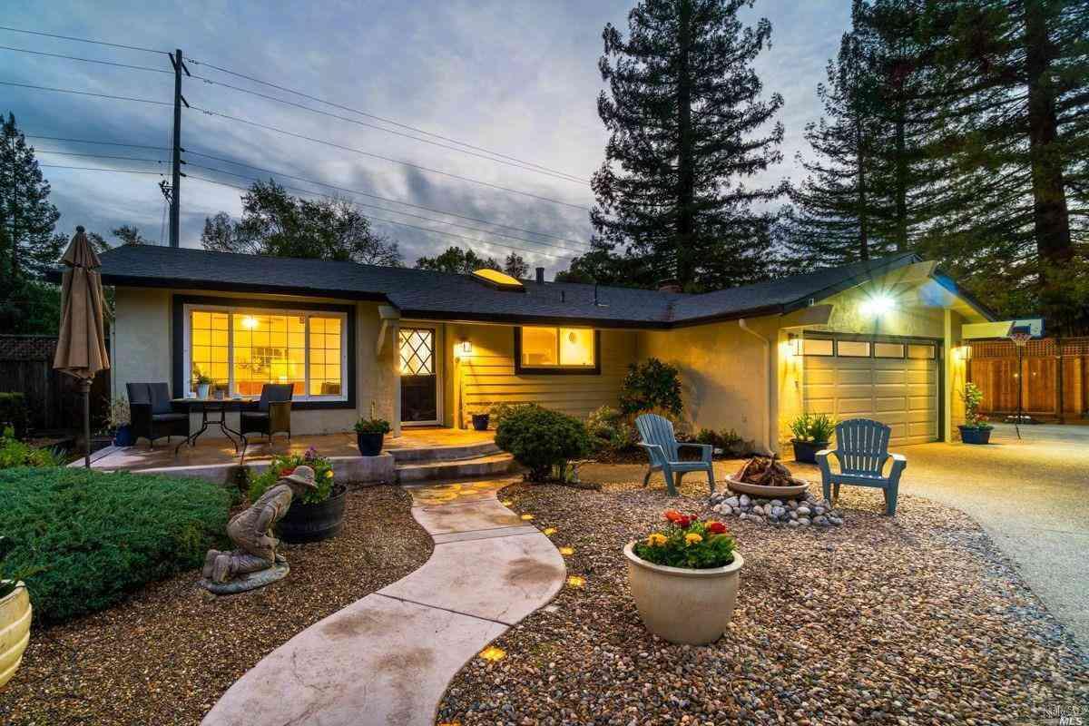 6 San Miguel Court, Novato, CA, 94945,
