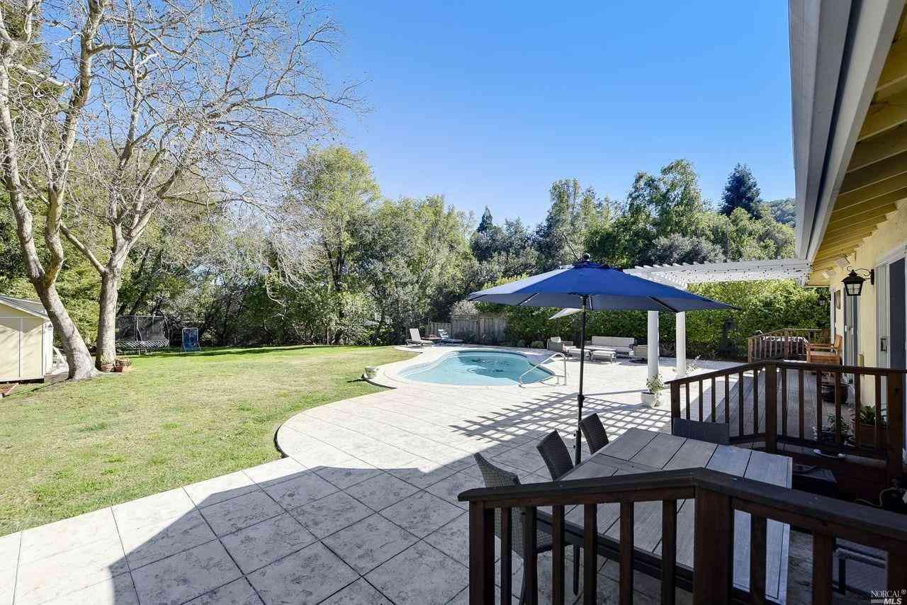 25 Fairway Drive, Novato, CA, 94949,