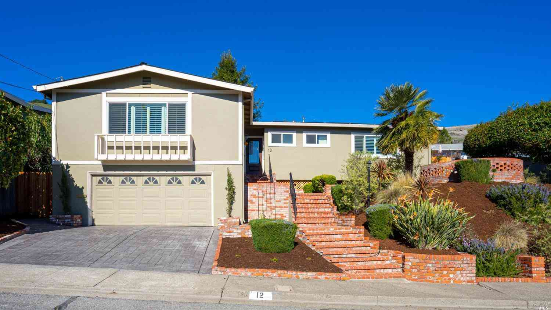 12 Tralee Way, San Rafael, CA, 94903,