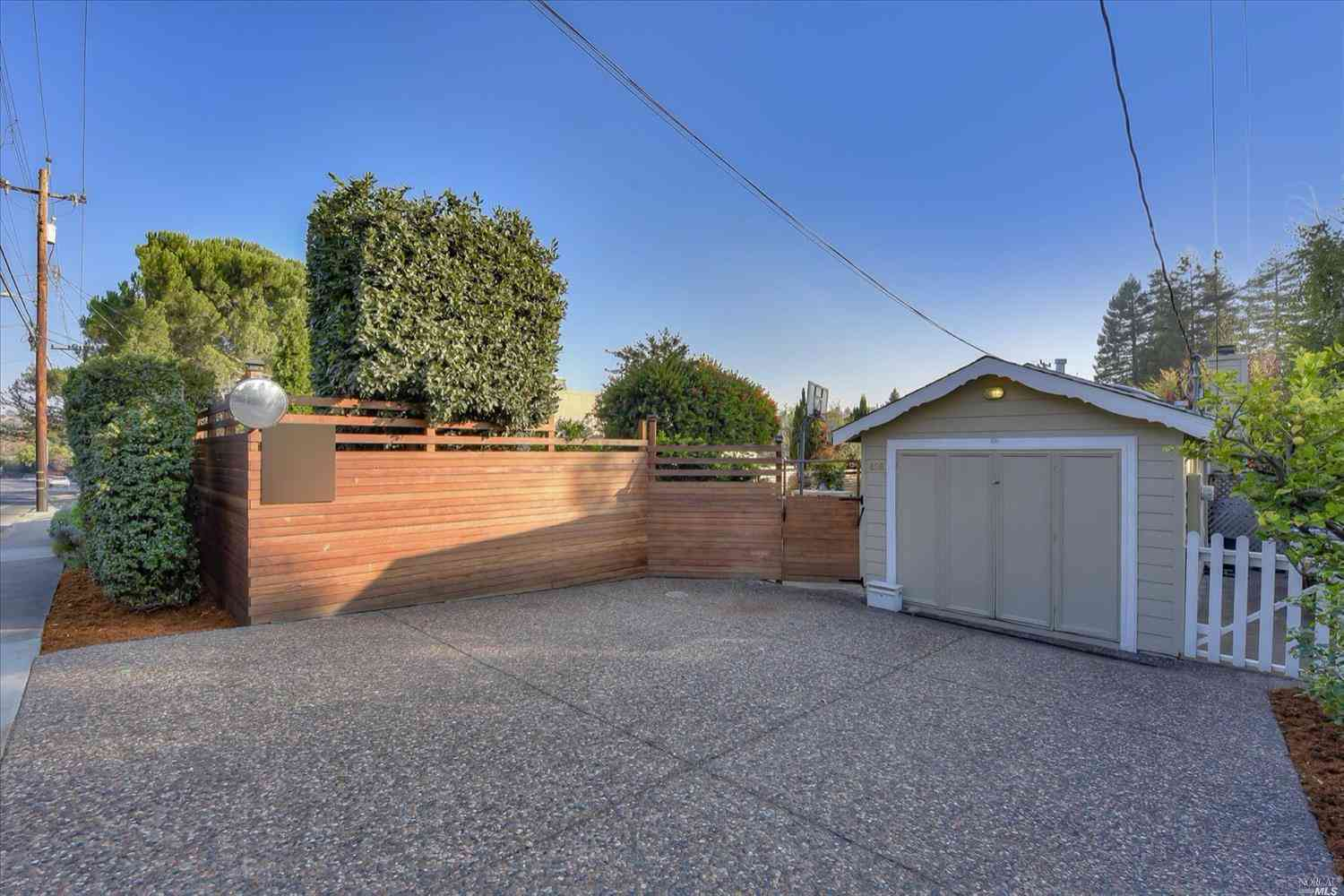 496 Blithedale Avenue, Mill Valley, CA, 94941,