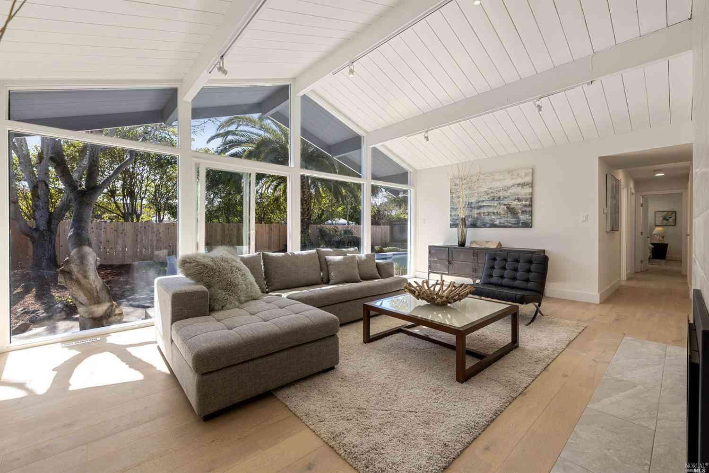 269 Blackstone Drive, San Rafael, CA, 94903,