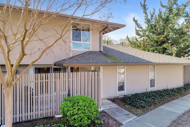 38 Roundtree Boulevard, San Rafael, CA, 94903,