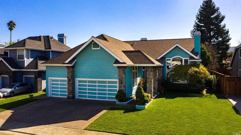 24 Erica Court, Novato, CA, 94947,