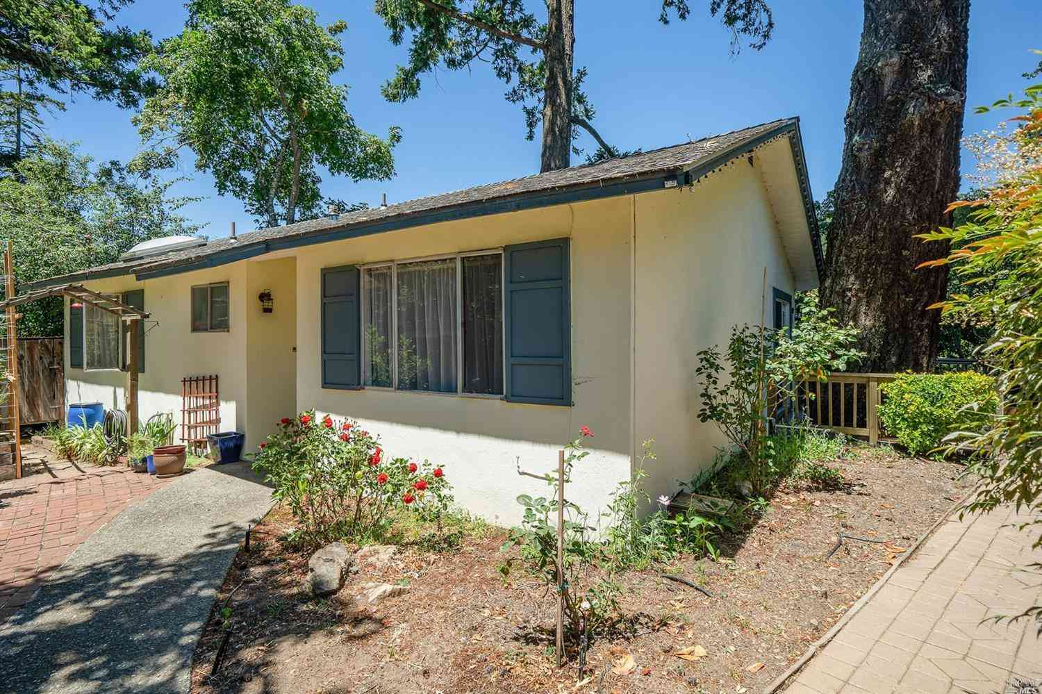 84 Sanchez Road, Forest Knolls, CA, 94933,