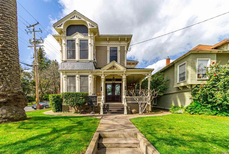 705 Seminary Street, Napa, CA, 94559,