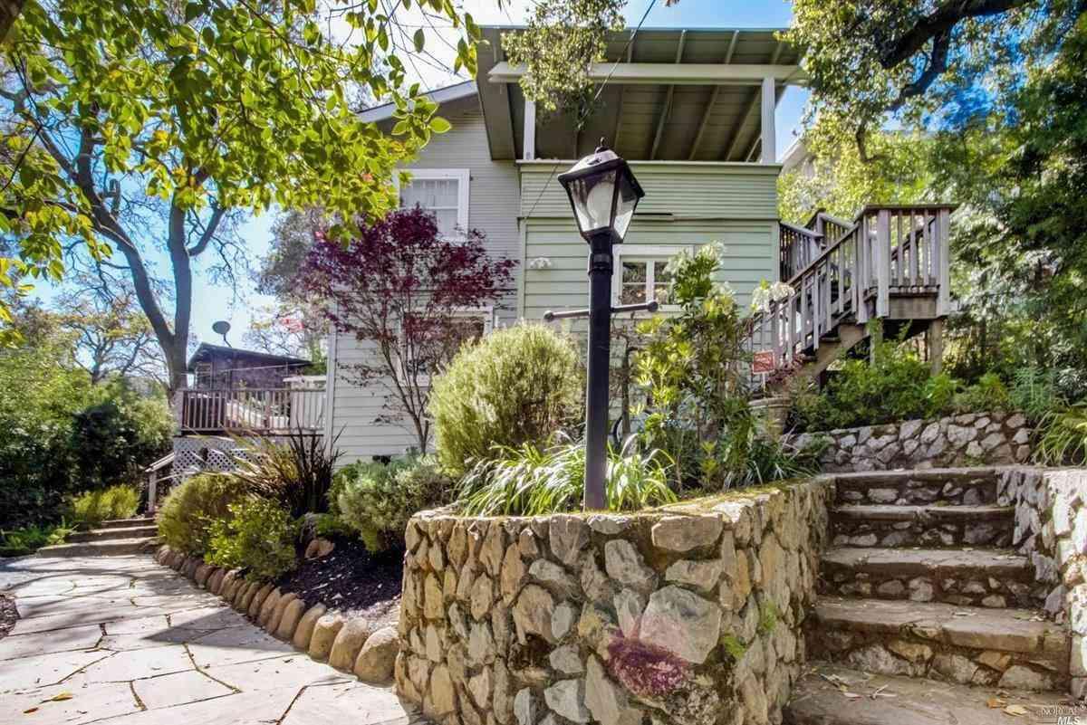 7 Hillcrest Avenue, Larkspur, CA, 94939,