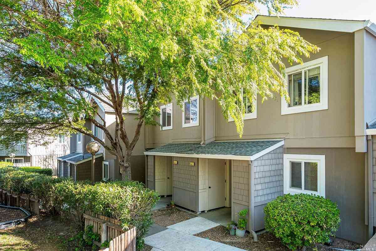 1281 Valley Oak Court #D, Novato, CA, 94947,