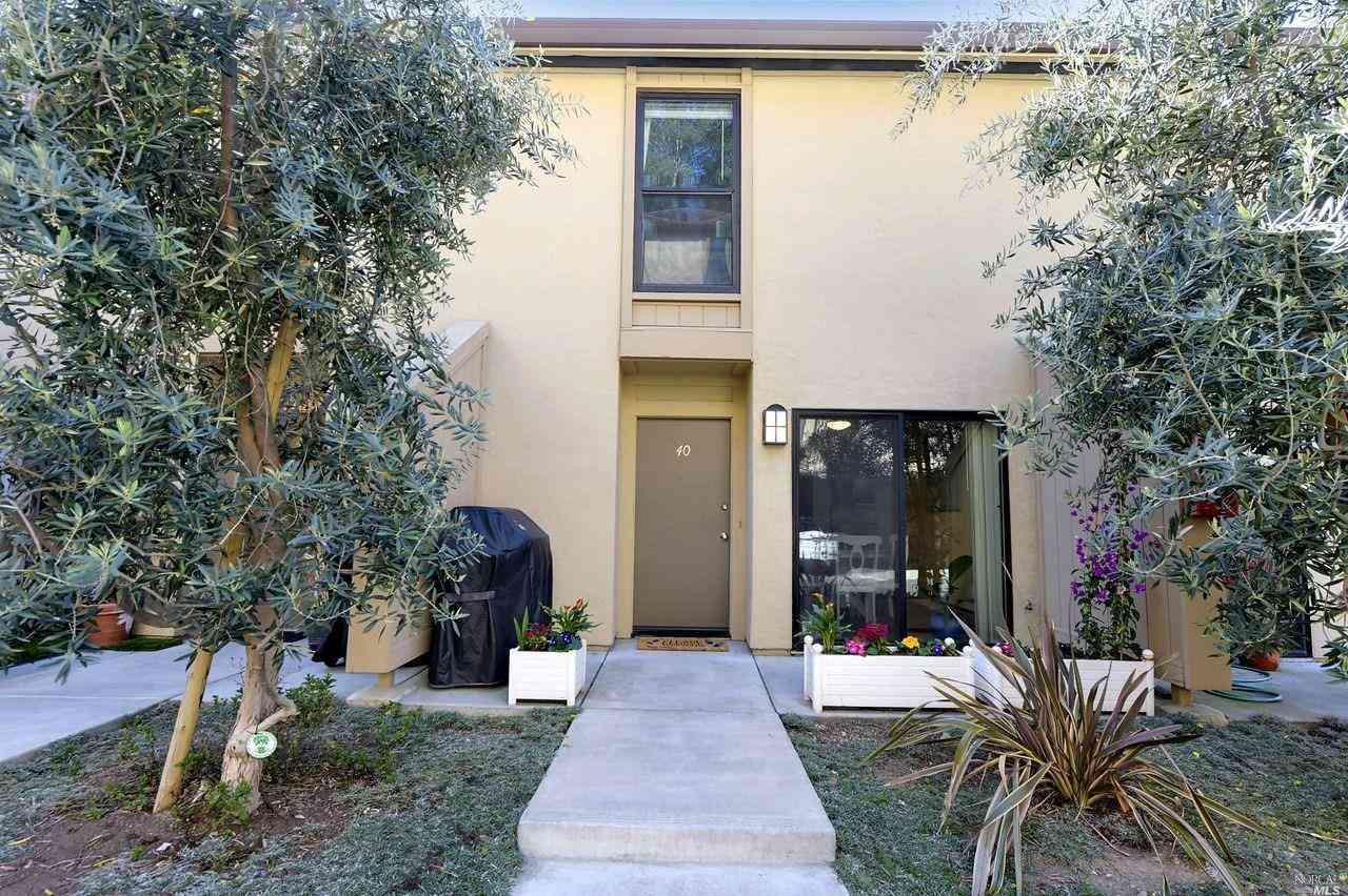 100 Marin Center Drive #40, San Rafael, CA, 94903,