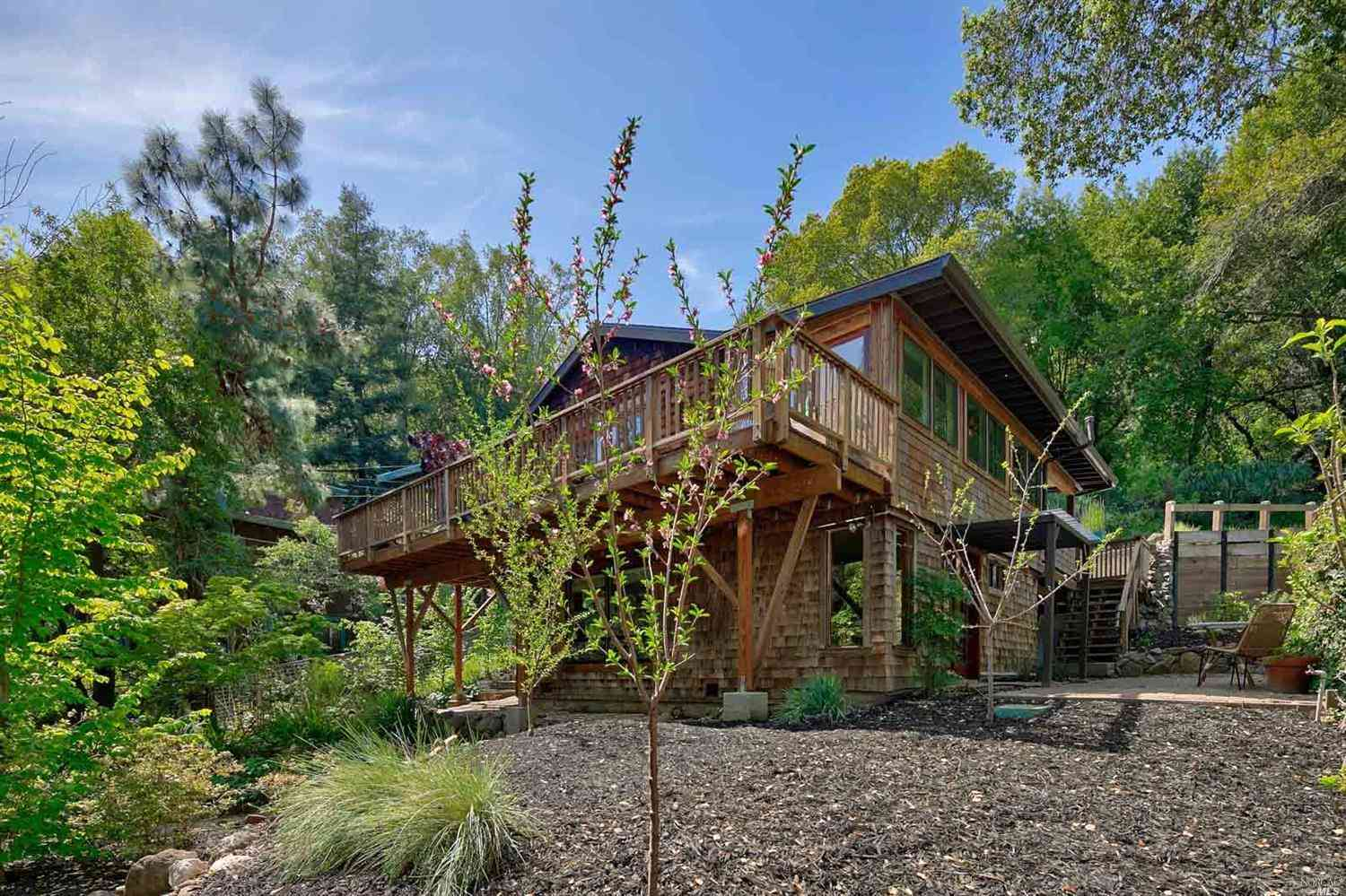 542 Scenic Road, Fairfax, CA, 94930,