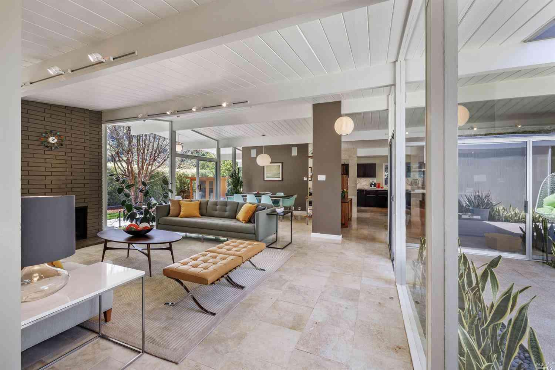 40 Oak Mountain Court, San Rafael, CA, 94903,