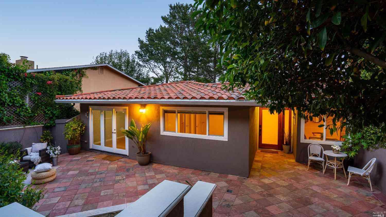 98 Graceland Drive, San Rafael, CA, 94901,