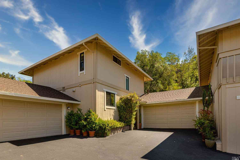 34 Woodoaks , San Rafael, CA, 94903,
