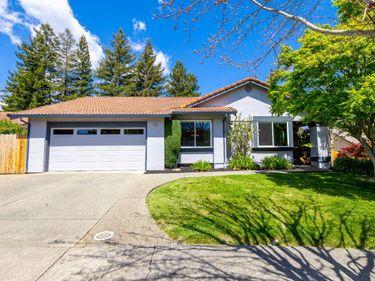 381 Blue Jay Way, Napa, CA, 94558,