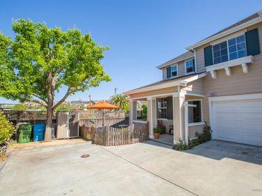 2052 Easton, Petaluma, CA, 94952,