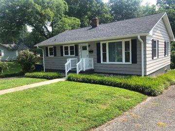 329 E Poplar Street, Mount Airy, NC, 27030,