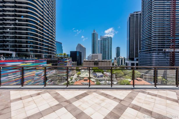 999 SW 1st ave #2903
