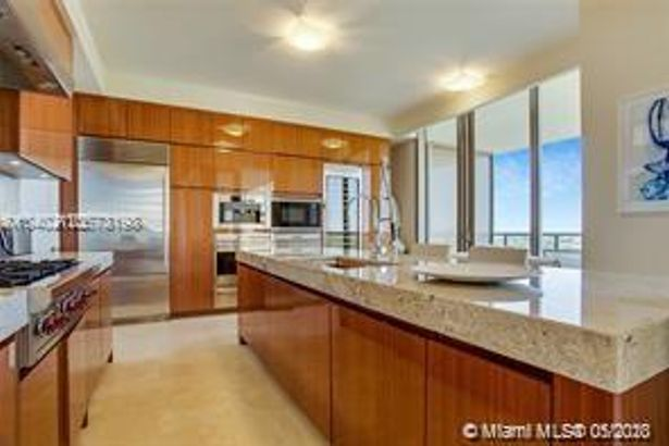 9705 COLLINS AVE #903