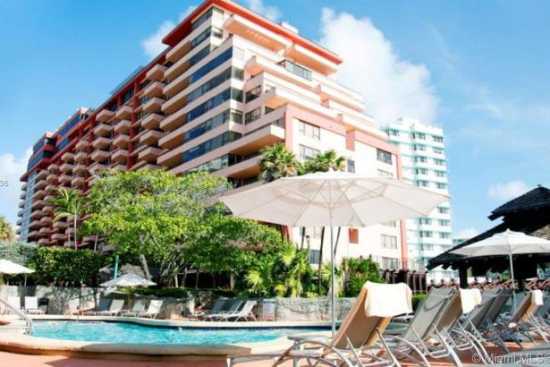 5225 Collins Ave #414