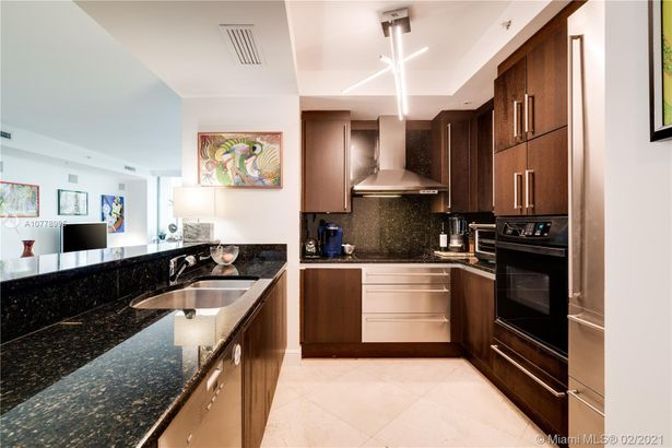 3400 SW 27th Ave #1105
