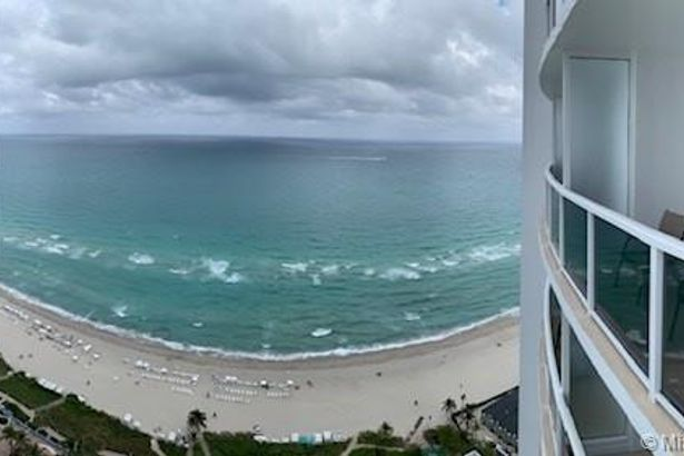 18001 Collins Ave #2906