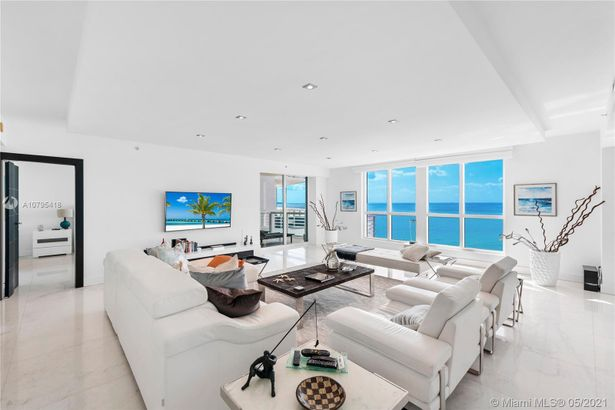 3801 Collins Ave #1503