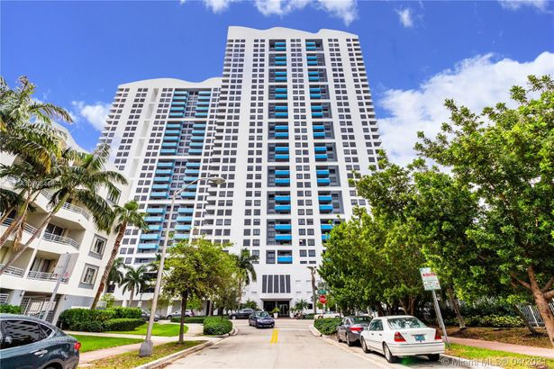 1330 West Ave #2309