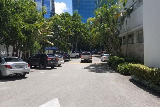 1333 S Miami Avenue #305