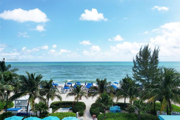 18683 Collins Ave #1706