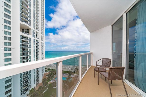 18001 Collins Ave #1205