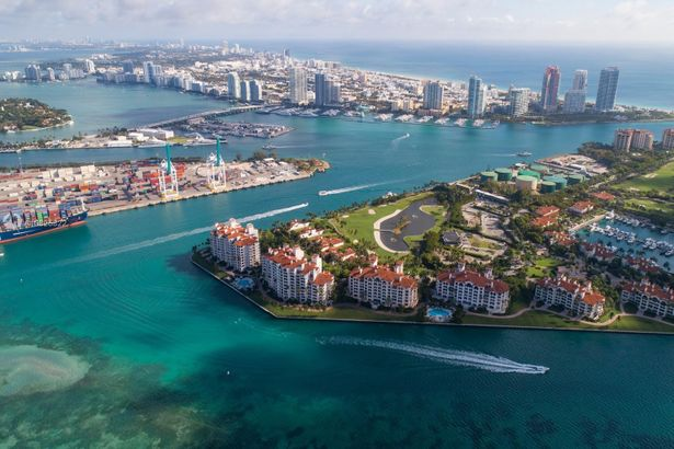 5272 Fisher Island Dr #5272