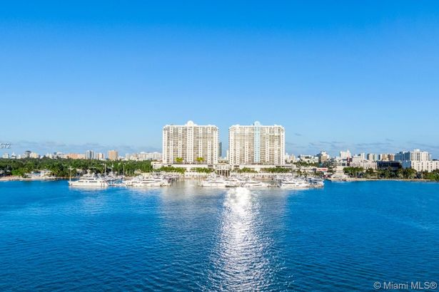 1800 Sunset Harbour Dr #TS-2/3