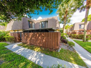 7418 74th Way #7418, West Palm Beach, FL, 33407,