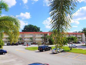 9411 N Hollybrook Lake Dr #205, Pembroke Pines, FL, 33025,