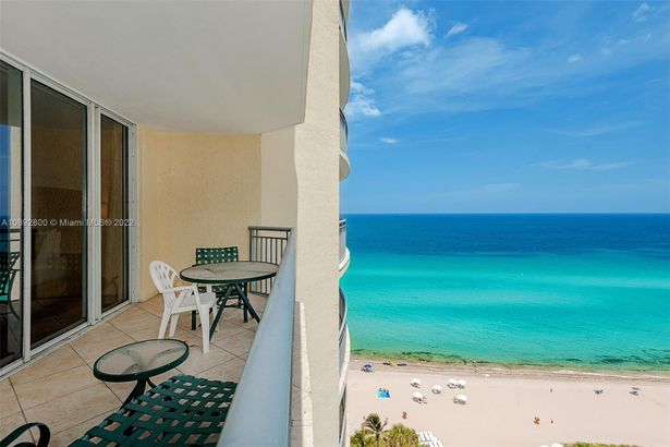 17375 Collins Ave #1703