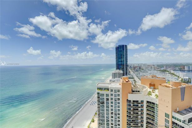 18975 Collins Ave #3704