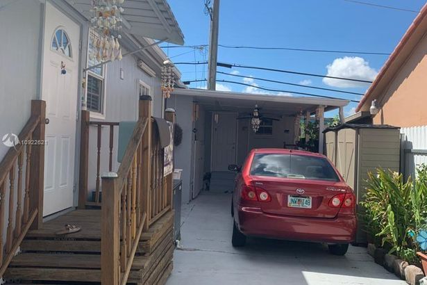 12401 W Okeechobee Rd LOT 324