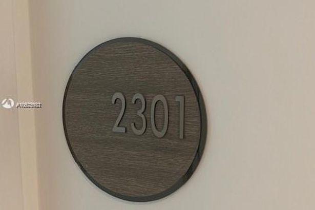 650 NE 32nd St #2301