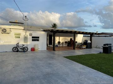 Undisclosed Address, Miami Gardens, FL, 33056,