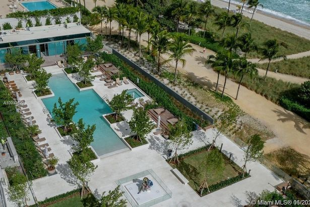 10203 Collins Ave #803