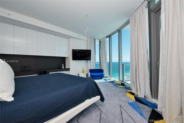 17475 Collins Ave #2602