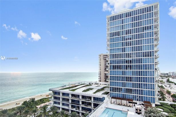 6801 COLLINS AVE #1104