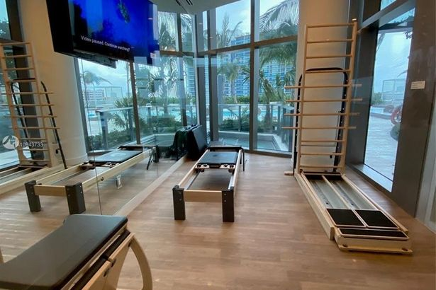 15701 Collins ave #3503