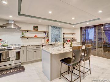 Kitchen, 140 SW 96th Ter #306, Plantation, FL, 33324,