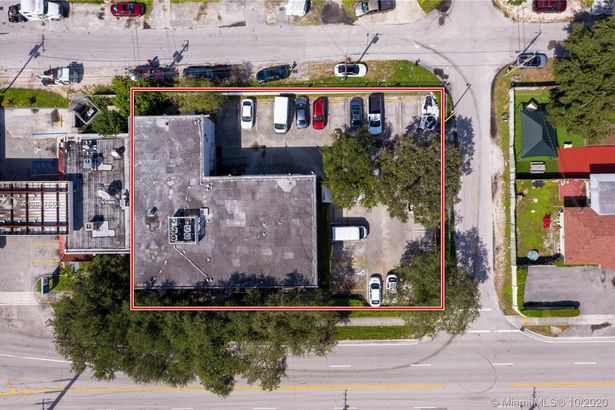 555 NW 95th St