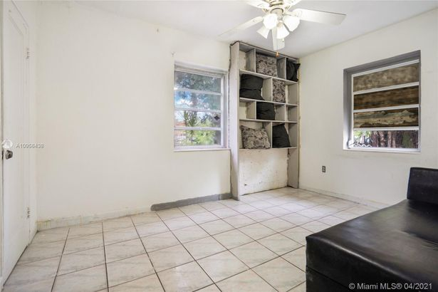 3520 NW 95th St