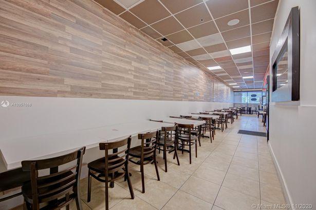 Restaurant 8 st