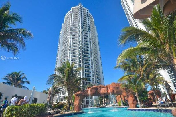 18001 Collins Ave #1705