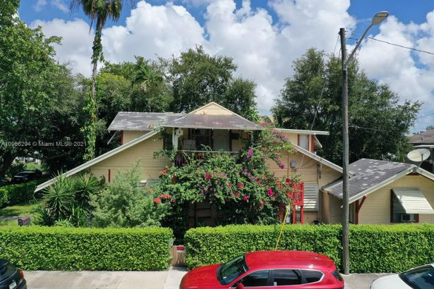 875 SW 13th Ave