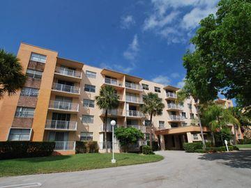 470 Executive Center Dr #2D, West Palm Beach, FL, 33401,