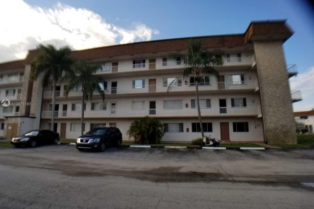 6289 Lear Dr #202
